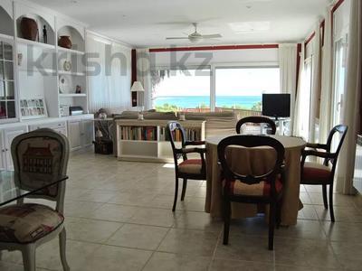 8-комнатный дом, 447 м², 10 сот., Calle de la basseta 1 за ~ 685.4 млн 〒 в Таррагоне — фото 9