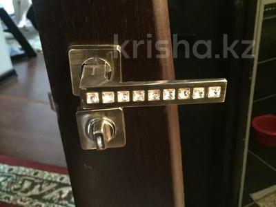 3-комнатная квартира, 72.2 м², 1/8 этаж, Бокенбай батыра 155/7 за 16 млн 〒 в Актобе — фото 11