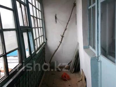 3-комнатная квартира, 56 м², 2/2 этаж, Квартал Подхоз за ~ 1.9 млн 〒 в Талдыкоргане — фото 8