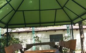 2-комнатный дом посуточно, 130 м², 7 сот., Абиша Кекилбайулы 251А — проспект Аль-Фараби за 18 000 〒 в Алматы, Бостандыкский р-н