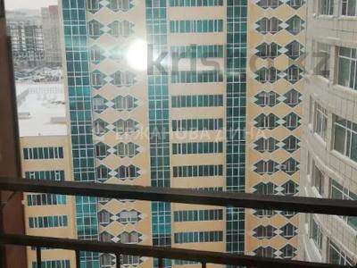 3-комнатная квартира, 76 м², 15/18 этаж помесячно, Байтурсынова 12 за 120 000 〒 в Нур-Султане (Астана), Алматы р-н — фото 17