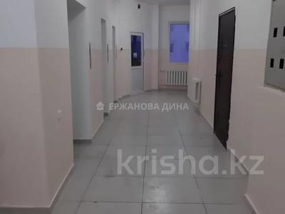 3-комнатная квартира, 76 м², 15/18 этаж помесячно, Байтурсынова 12 за 120 000 〒 в Нур-Султане (Астана), Алматы р-н — фото 9