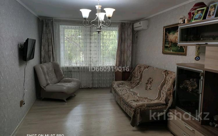 3-комнатная квартира, 61.8 м², 2/5 этаж, Комиссарова 32 а за 25 млн 〒 в Караганде, Казыбек би р-н