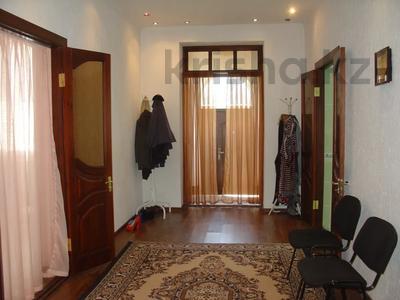 6-комнатный дом, 261 м², 10 сот., Алматинская за 25 млн 〒 в Есик — фото 23