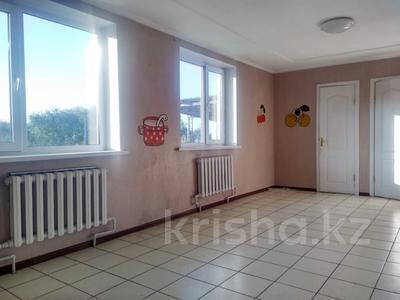 6-комнатный дом, 261 м², 10 сот., Алматинская за 25 млн 〒 в Есик — фото 9