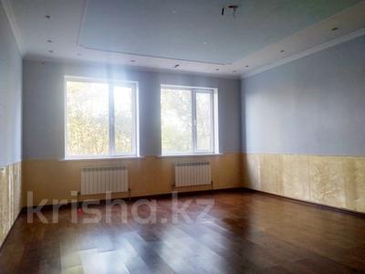 6-комнатный дом, 261 м², 10 сот., Алматинская за 25 млн 〒 в Есик