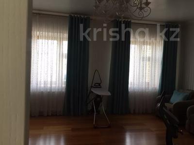 6-комнатный дом, 350 м², 12 сот., Шукшина за 125 млн 〒 в Нур-Султане (Астана), Алматы р-н — фото 10