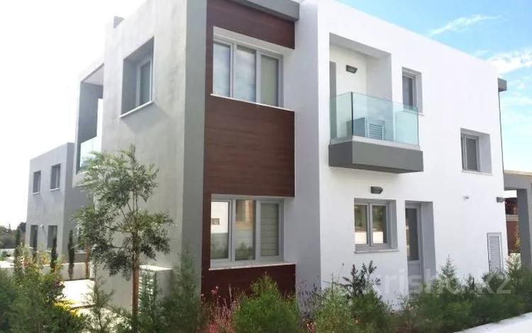 4-комнатный дом, 185 м², Героскипу, Пафос за ~ 129.3 млн 〒