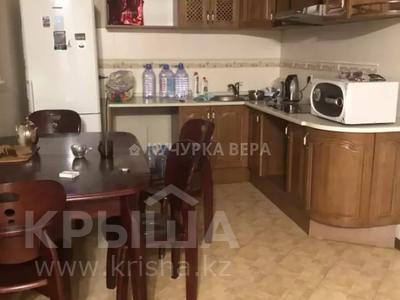 2-комнатная квартира, 70 м², 5/18 этаж помесячно, Иманбаевой 11 — Кенесары за 135 000 〒 в Нур-Султане (Астана), р-н Байконур — фото 6