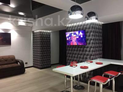 2-комнатная квартира, 55 м², 3/5 этаж посуточно, Батыс 36б за 14 990 〒 в Актобе
