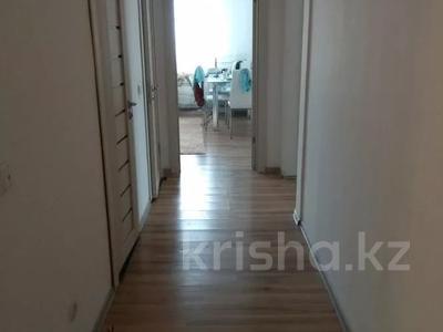 2-комнатная квартира, 72.9 м², 10/16 этаж, Бауыржана Момышулы за 21 млн 〒 в Нур-Султане (Астана), Алматинский р-н — фото 2