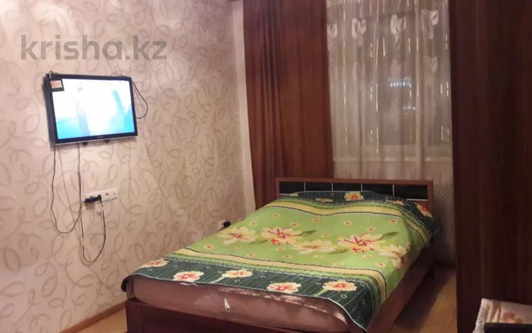 1-комнатная квартира, 36 м², 4/12 этаж посуточно, Сыганак 10 — Сауран за 7 000 〒 в Нур-Султане (Астана)