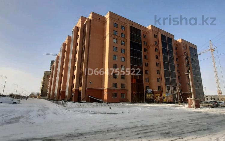 2-комнатная квартира, 62 м², 3/9 этаж, Жамбыла Жабаева 44/2 — Порфирьева за 25.5 млн 〒 в Петропавловске