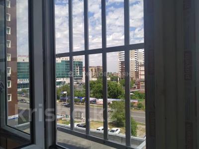1-комнатная квартира, 45 м², 5/12 этаж, Валиханова за 16.3 млн 〒 в Нур-Султане (Астана), р-н Байконур — фото 4