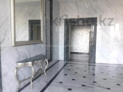 5-комнатная квартира, 180 м², 12/13 этаж, Микрорайон Мамыр-7 за 54 млн 〒 в Алматы, Ауэзовский р-н