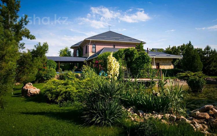 9-комнатный дом помесячно, 540 м², Пахтакор 1 1 за 500 000 〒 в Шымкенте, Каратауский р-н