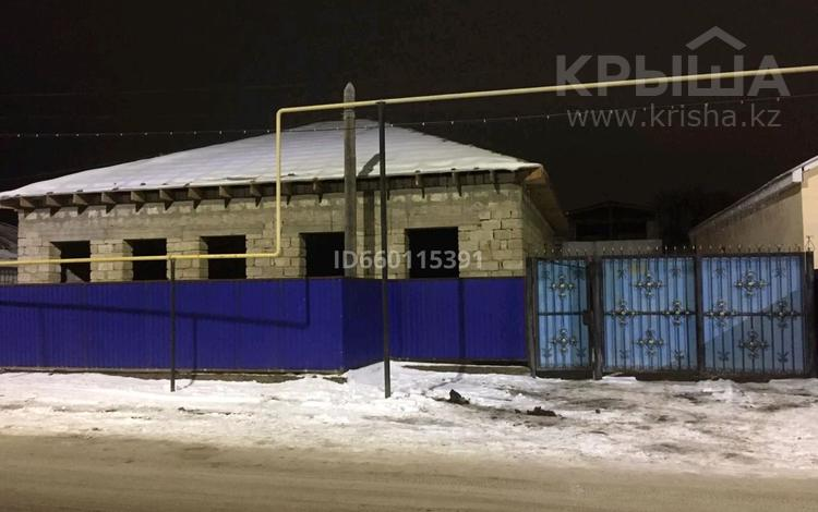 3-комнатный дом, 90 м², мкр Лесхоз 80 за 14 млн 〒 в Атырау, мкр Лесхоз