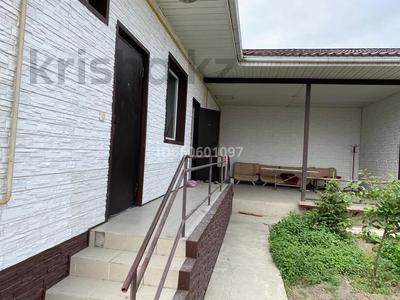 10-комнатный дом, 380 м², 10 сот., Юго-восточный район за 120 млн 〒 в Талдыкоргане