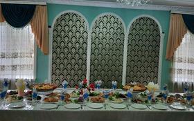 6-комнатный дом посуточно, 350 м², мкр Кунгей за 60 000 〒 в Караганде, Казыбек би р-н