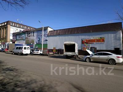 Магазин площадью 1700 м², улица Победы 52а — Абая за ~ 400 млн 〒 в Костанае — фото 4