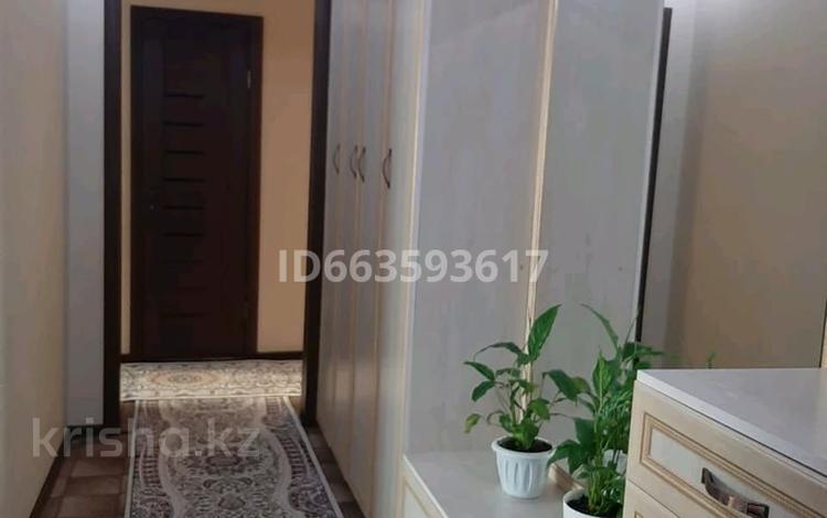 3-комнатная квартира, 66 м², 3/5 этаж, улица Мамай батыра 99 А — 72 квартал за 19.5 млн 〒 в Семее