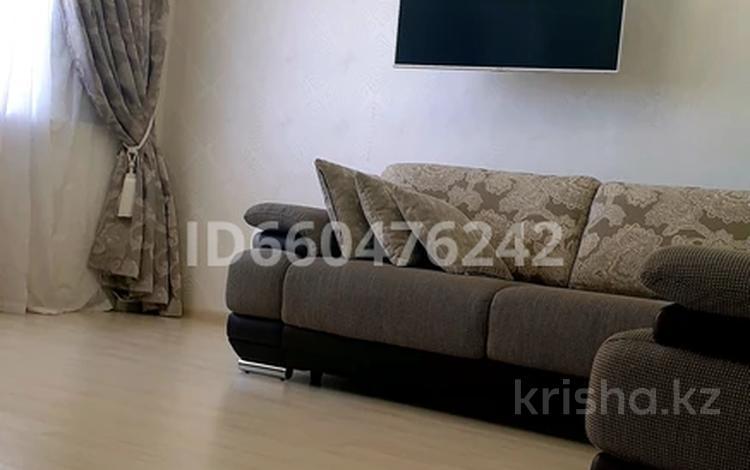 1-комнатная квартира, 53 м², 4/8 этаж, проспект Санкибай Батыра 28 В за 13 млн 〒 в Актобе, Новый город