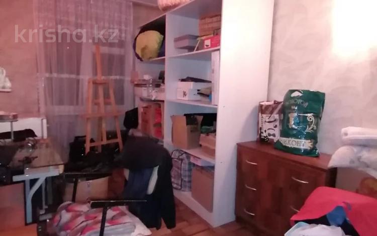 3-комнатная квартира, 60 м², 1/5 этаж, Мкр жетису за 10.8 млн 〒 в Талдыкоргане