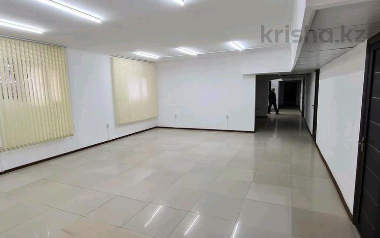 Помещение площадью 430 м², мкр Кокжиек за 2 000 〒 в Алматы, Жетысуский р-н