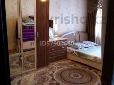 3-комнатная квартира, 99 м², 2/2 этаж, Асылбекова 10/6 за 12.5 млн 〒 в Аксукенте — фото 2