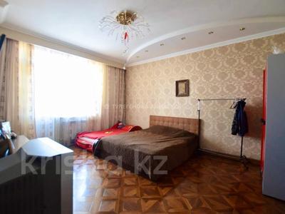 4-комнатная квартира, 147 м², 9/17 этаж, М. Габдуллина за 43.5 млн 〒 в Нур-Султане (Астане), р-н Байконур