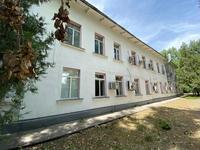 Здание, площадью 948 м²