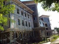 Здание, площадью 1426 м²