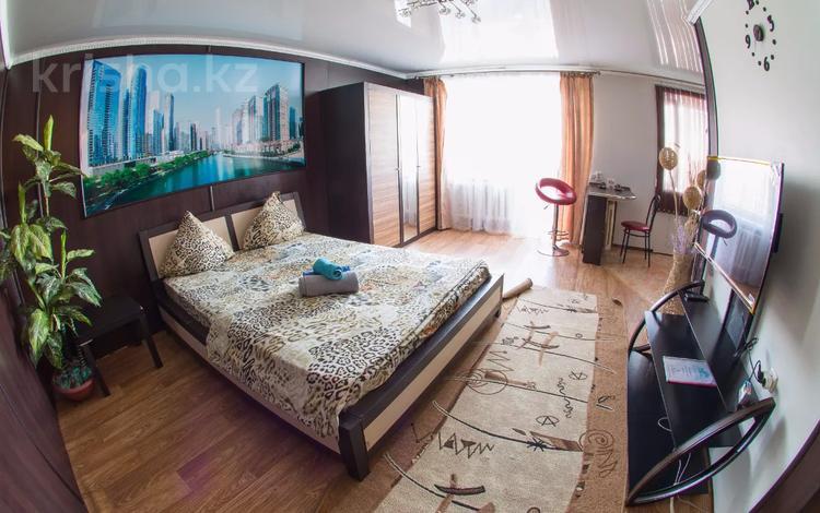 1-комнатная квартира, 40 м², 2/5 этаж посуточно, Аль-Фараби 32 за 8 000 〒 в Костанае