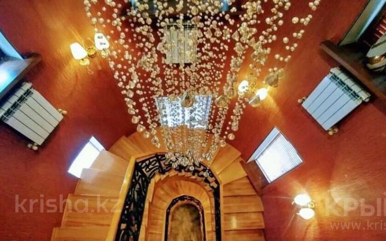 8-комнатный дом посуточно, 500 м², Толе Би — Восточно Объездная за 150 000 〒 в Алматы, Медеуский р-н