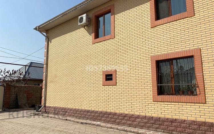 8-комнатный дом, 285 м², 10 сот., мкр Алгабас за 60 млн 〒 в Алматы, Алатауский р-н