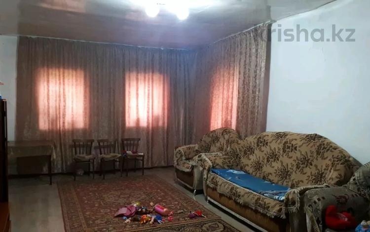 3-комнатный дом, 103 м², 6 сот., Лениногорская улица 3 — Шульбинская за 5 млн 〒 в Семее