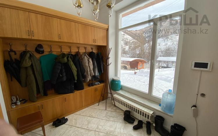 Дом под любой бизнес за 380 млн 〒 в Алматы, Медеуский р-н