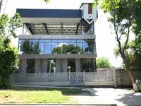 Здание, площадью 860 м²