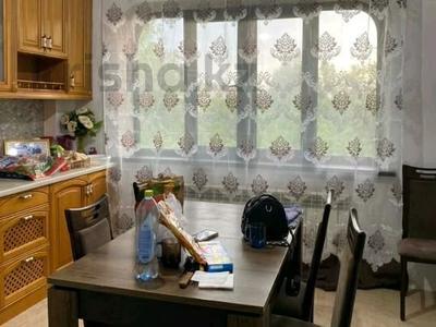 1-комнатная квартира, 42 м² на длительный срок, мкр Аксай-2 за 110 000 〒 в Алматы, Ауэзовский р-н