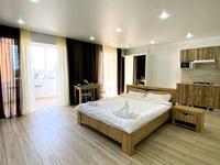 1-комнатная квартира, 50 м², 2/5 этаж посуточно, улица Гарифуллы Курмангалиева 3 за 13 000 〒 в Уральске