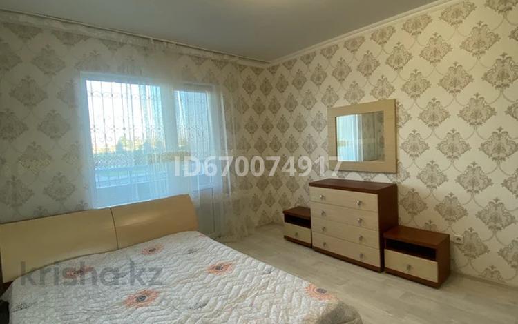 2-комнатная квартира, 60 м², 1/5 этаж посуточно, Каратал 44 Б за 12 000 〒 в Талдыкоргане