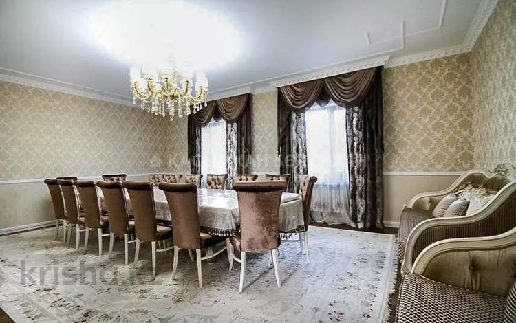 7-комнатный дом, 400 м², 8 сот., мкр Калкаман-3 за 145 млн 〒 в Алматы, Наурызбайский р-н