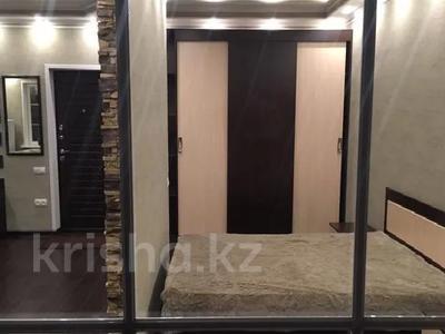 1-комнатная квартира, 60 м², 6 этаж посуточно, Брусиловского 163 за 15 000 〒 в Алматы, Алмалинский р-н
