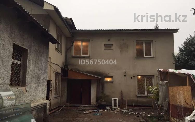 7-комнатный дом помесячно, 400 м², Кастеева 90 за 900 000 〒 в Алматы, Медеуский р-н