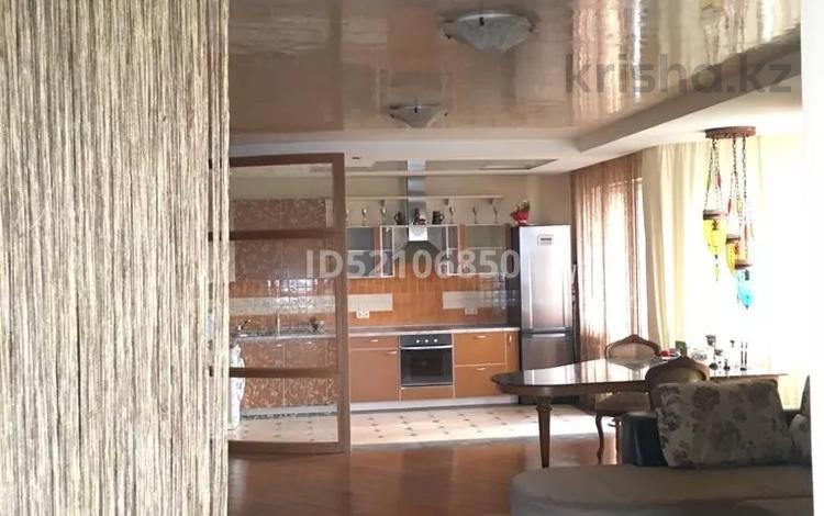 3-комнатная квартира, 100 м², 14/15 этаж, ул. Наурызбай батыра 152 — Абая за 62 млн 〒 в Алматы, Бостандыкский р-н