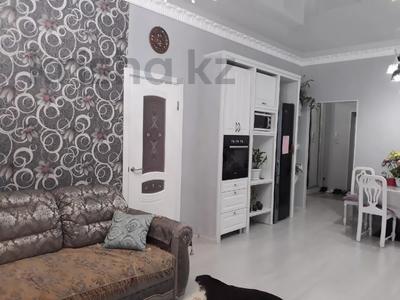 2-комнатная квартира, 62 м², 7/10 этаж, Ханов Керея и Жанибека за 26 млн 〒 в Нур-Султане (Астана), Есильский р-н — фото 2