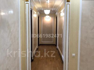 4-комнатная квартира, 247 м², 7/8 этаж помесячно, Сатпаева 14б за 800 000 〒 в Нур-Султане (Астана), Алматы р-н — фото 15