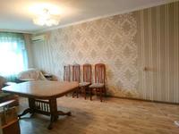 3-комнатная квартира, 80 м², 3/5 этаж, улица Муканова 1Б за 19.3 млн 〒 в Караганде, Казыбек би р-н
