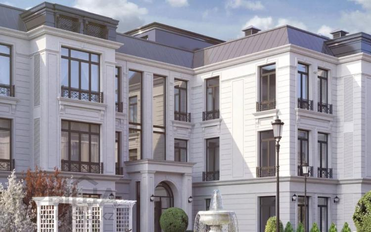 4-комнатная квартира, 208 м², 1/3 этаж, Мкр Дарын за ~ 149.8 млн 〒 в Алматы, Бостандыкский р-н