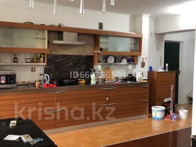3-комнатная квартира, 95 м², 4/5 этаж помесячно, Толебаева 47 за 120 000 〒 в Талдыкоргане — фото 3